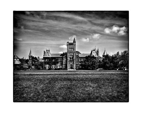 University Of Toronto - No 15 Kings College Circle
