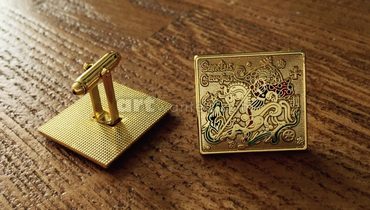 The cufflinks with the Saint George (gold version)