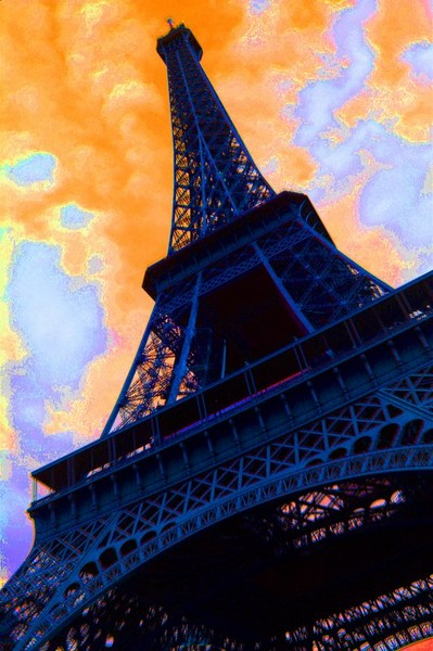 Eifle Tower Astute Bright