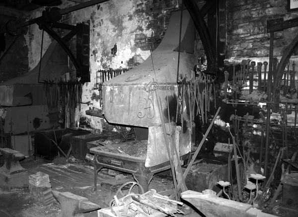 WORKSHOP FORGE