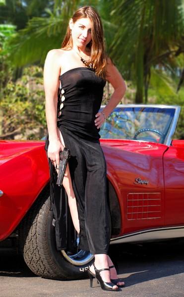 Amy Bond-girl
