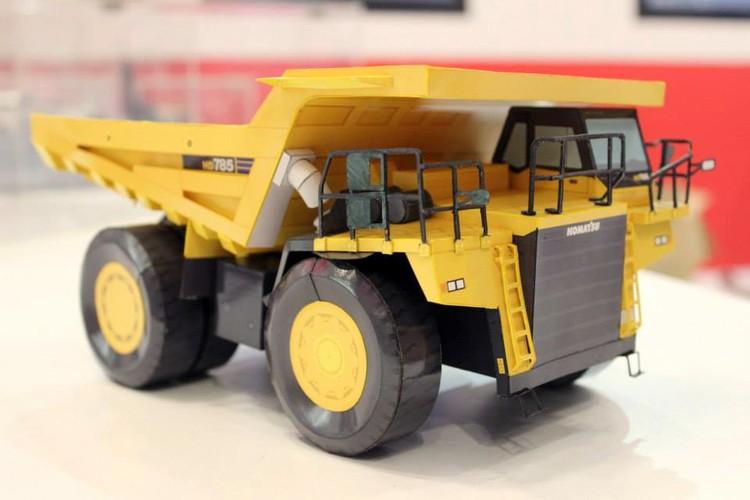 Paper Model of HD785 Komatsu Dump Truck