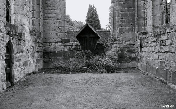 CASTLE CHAPEL REMAINS