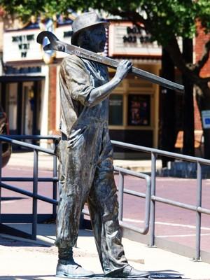 Statues / Sculptures / Memorials