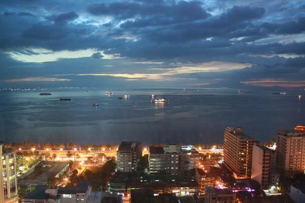 Manila Bay at Night