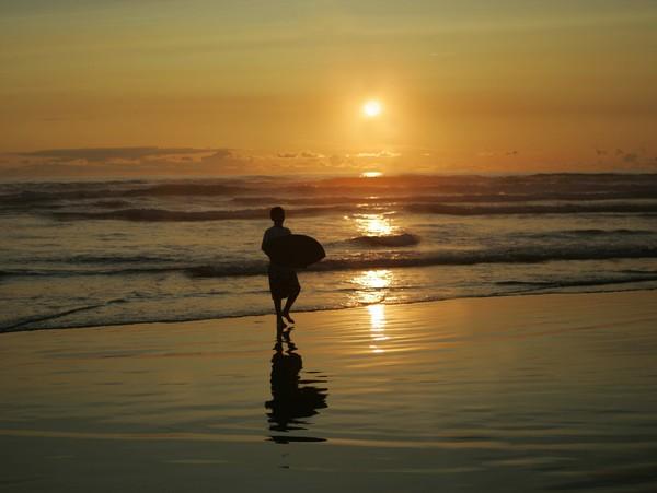 Skimming Sand