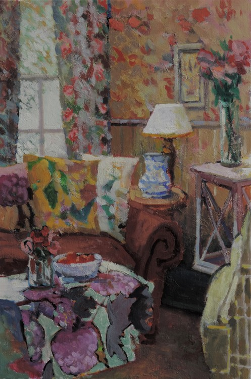 A CONFORTABLE LIVING ROOM