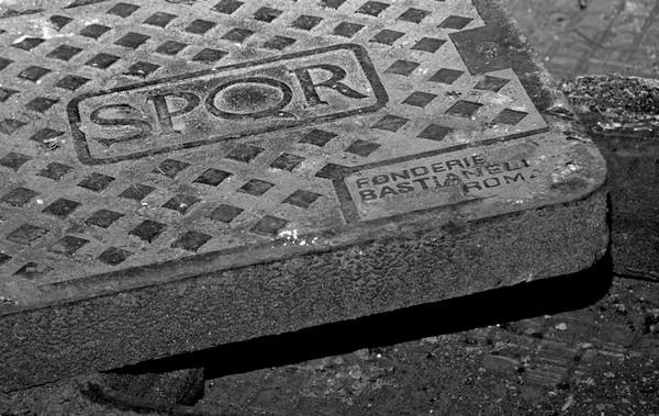 manhole in Rome