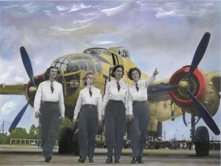 WASP Pilots,WWII, with B-25 Mitchell Bomber