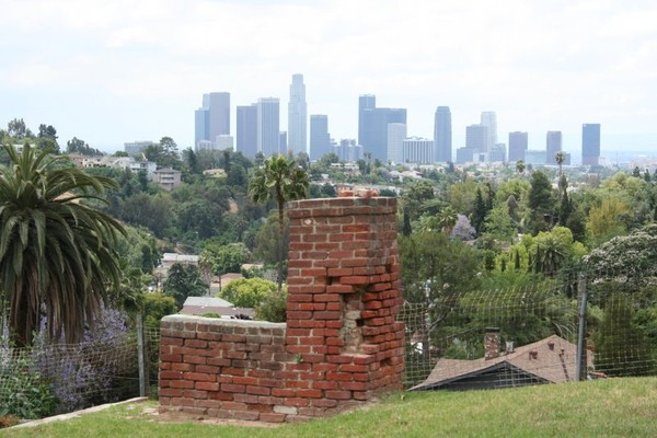 LA SKYLINE FROM THE HILLS