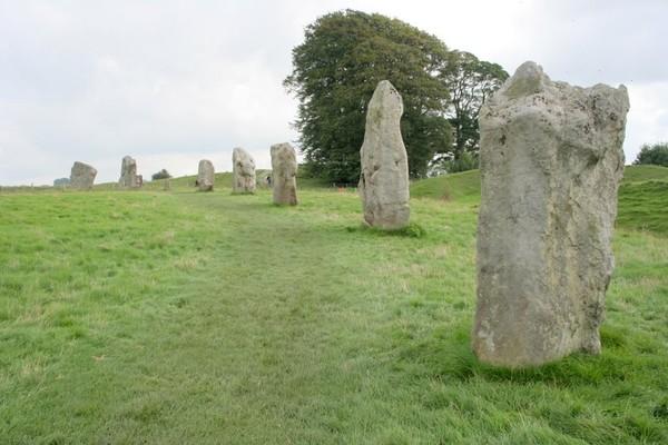 AVERBURY ANCIENT STONES 2