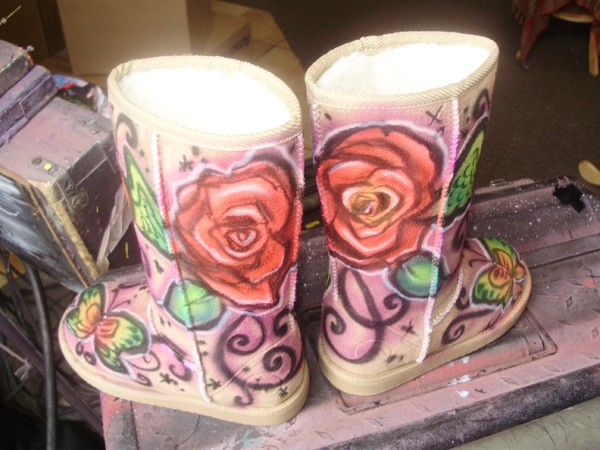 Airbrushed UGGS