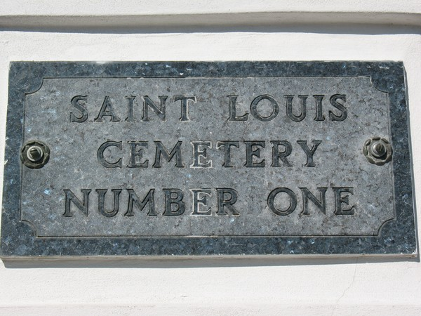 ST LOUIS CEMETARY NEW ORLEANS