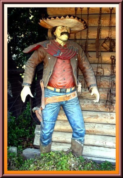 Latino Gunslinger
