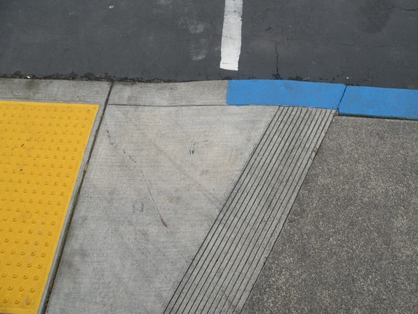 composition with yellow and blue