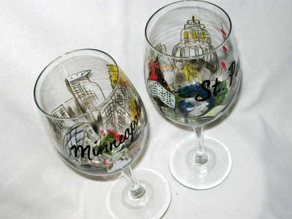 Minneapolis and Saint Paul Wine Glasses