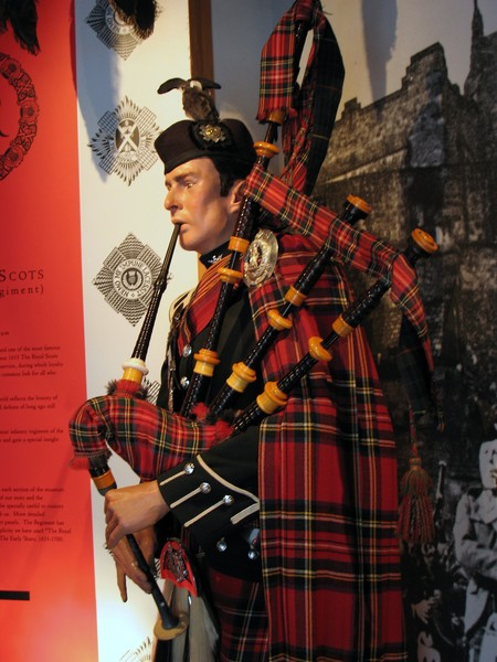 scotish soldier with bag pipes