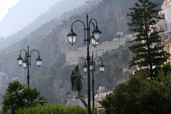 Statue of Flavio Gioia, Amalfi