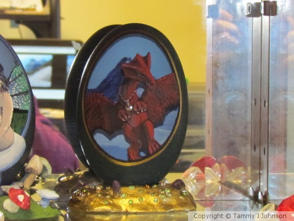 red dragon on emu egg, golden treasure stand
