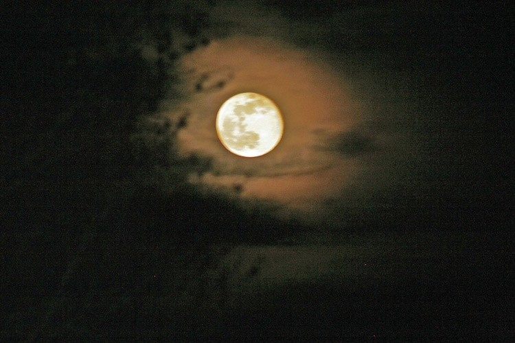 Full Moon April 8 2020