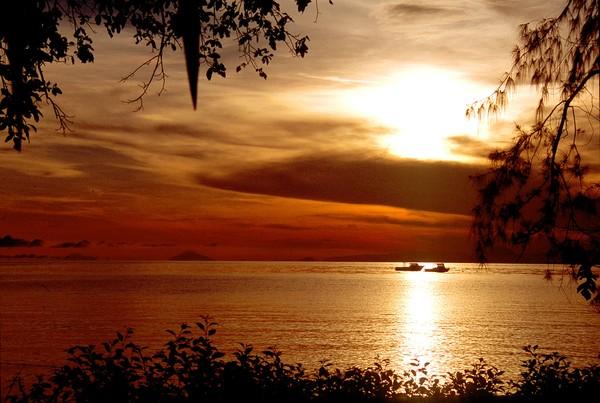 Sunrise, Bismarck Sea, Walindi, WNB, Papua New Gui
