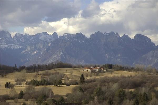 *quiet evening in the Dolomites*