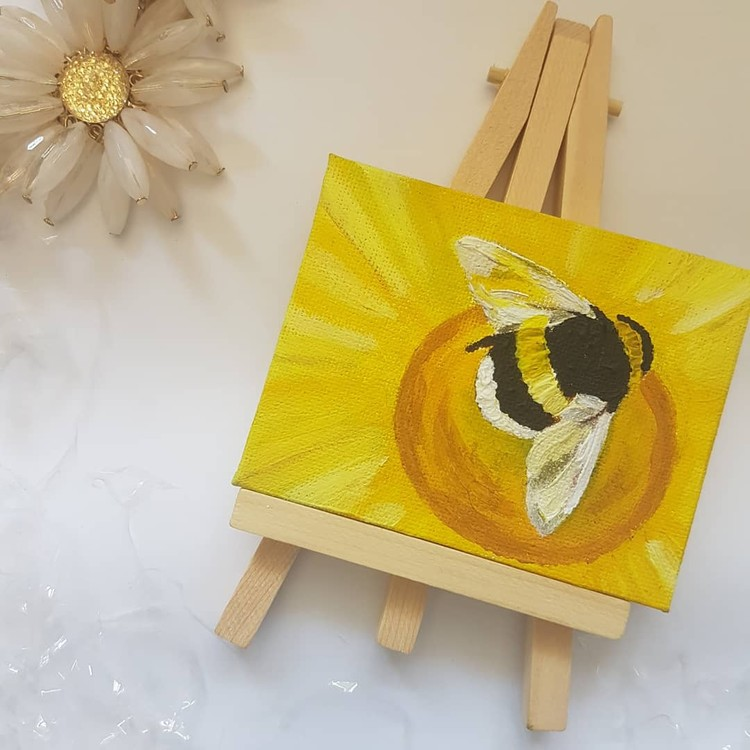bumble bee and flower