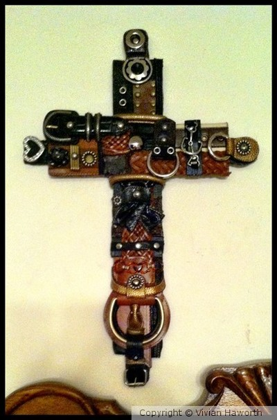 COLLAGE / RECYCLE ART-CROSSES