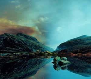 Clear blue skies,liquid mirror
