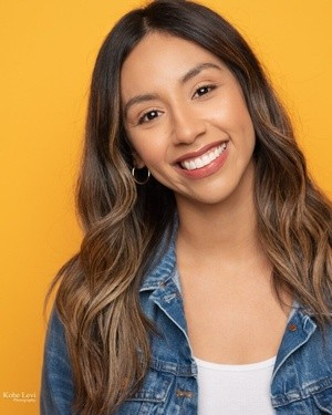 Aly+commercial+headshot