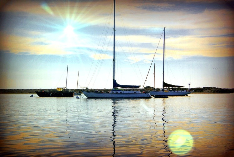 boat quarters lens flare
