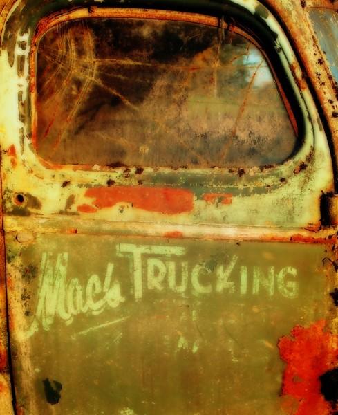 Mac's Trucking