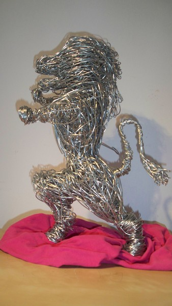 Gary,s latest wire sculpture The ramant Lion ..... by Gary Tiplady ...