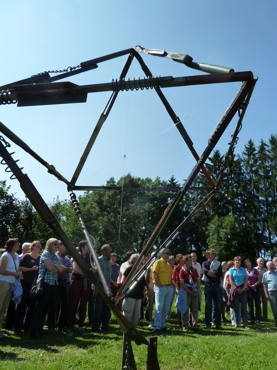 World Cross, kinetic sculpture