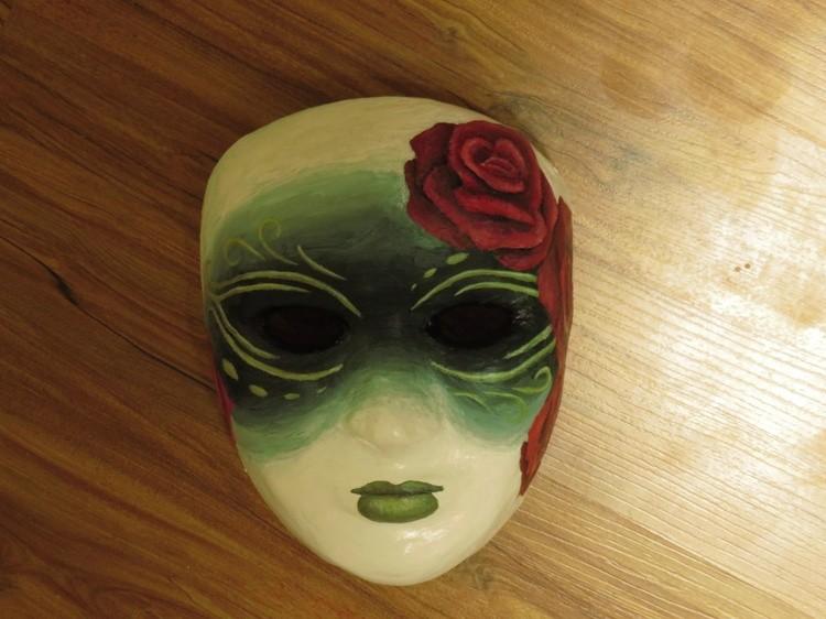 Mask (4)