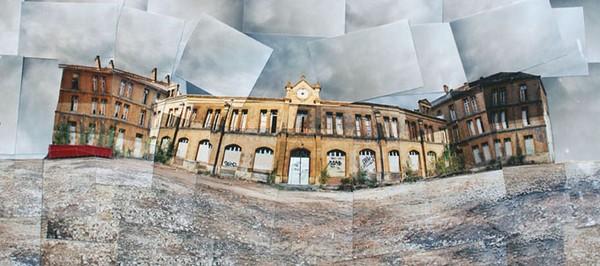 Abandon Country-house