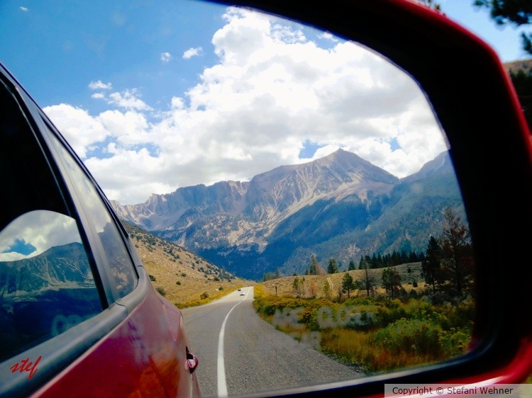 have a look back to the Yosemite-Mountains