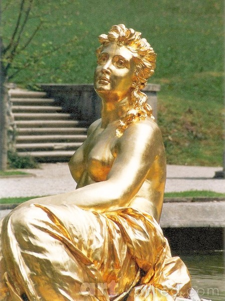 The golden statue of Flora at Linderhof Castle