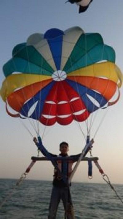 parasailing in dubai
