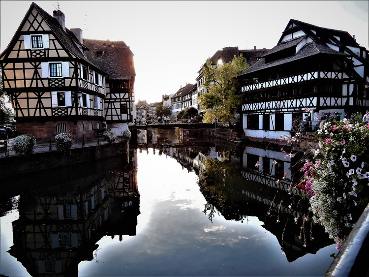 EXQUISITE ALSACE .